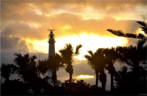 Photos - Gibbs Hill Lighthouse in Golden Light